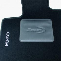 Set tappeti auto su misura in moquette per Nissan Modello Qashqai dal 2007 al 2013.